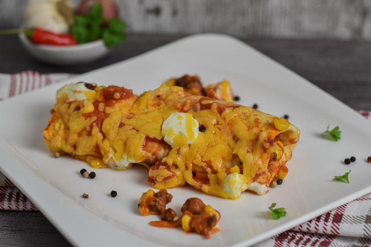 Mexikanische Burritos Käse überbacken