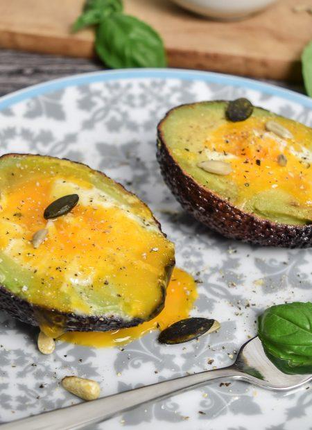 Avocado-Schiffchen Ei