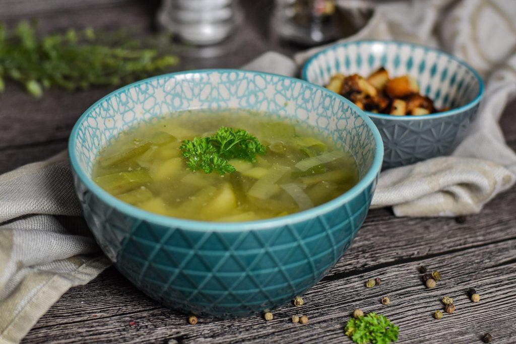 Grüne Bohnensuppe mit Croûtons frisch selbst gemacht