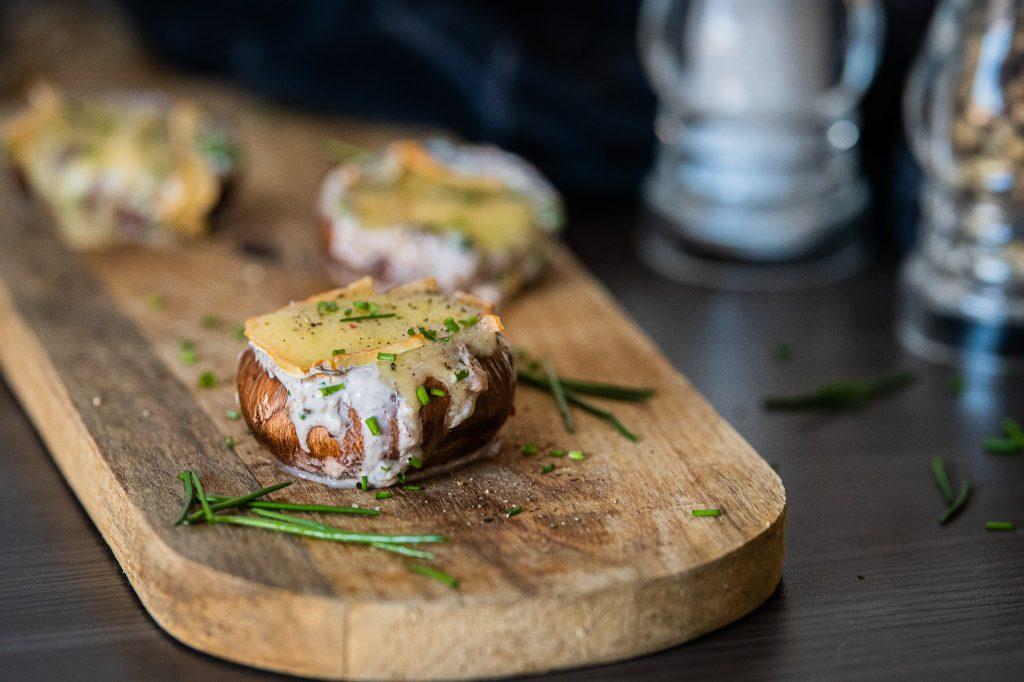 Grillen Champignons überbacken Herver Käse
